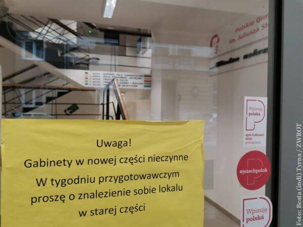 Studenti polského gymnázia se nebudou muset ve škole přezouvat