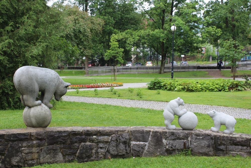 S propagací Visly pomáhají také kamenní medvídci